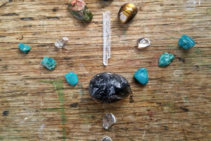 crystals for protection mini grid set